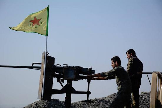 Kurdish YPG gunners